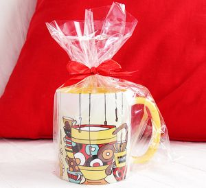 How to decorate a mug as a gift?