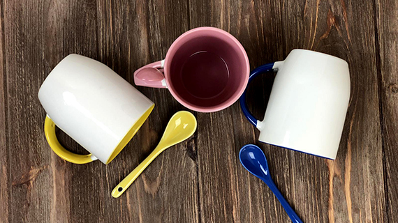 Mugs with ceramic spoons