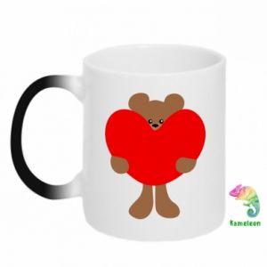 Chameleon mugs Bear with a big heart