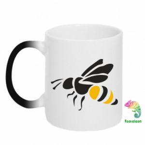 Chameleon mugs Bee in flight - PrintSalon