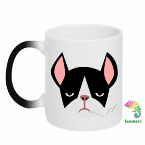 Chameleon mugs Bulldog smoking