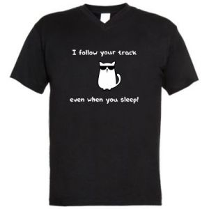 Męska koszulka V-neck I follow your track even when you sleep!