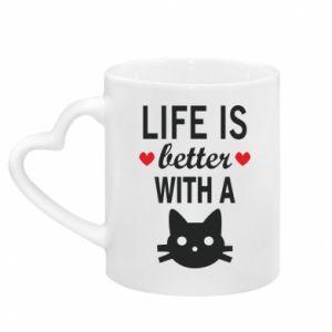 Kubek z uchwytem w kształcie serca Life is better with a cat