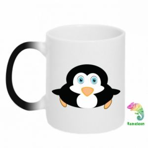 Chameleon mugs Little penguin looks up