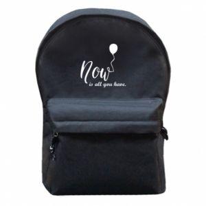 Plecak z przednią kieszenią Now is all you have