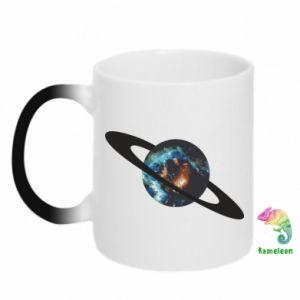 Kubek-kameleon Planeta w kosmosie