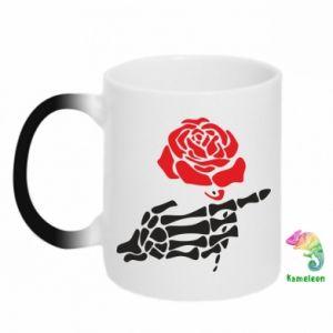 Kubek-kameleon Rose skeleton hand