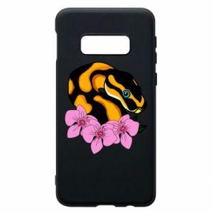 Etui na Samsung S10e Snake in flowers
