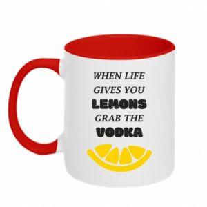 Kubek dwukolorowy When life gives you a lemons grab the vodka