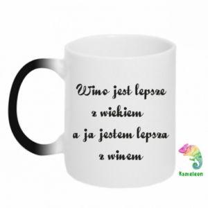 Kubek-kameleon Wino jest lepsze z wiekiem, a ja jestem lepsza z winem